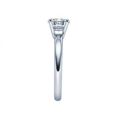 Anillo modelo Eternity con 7 diamantes en oro amarillo . Ancho  2,30 mm  - 1